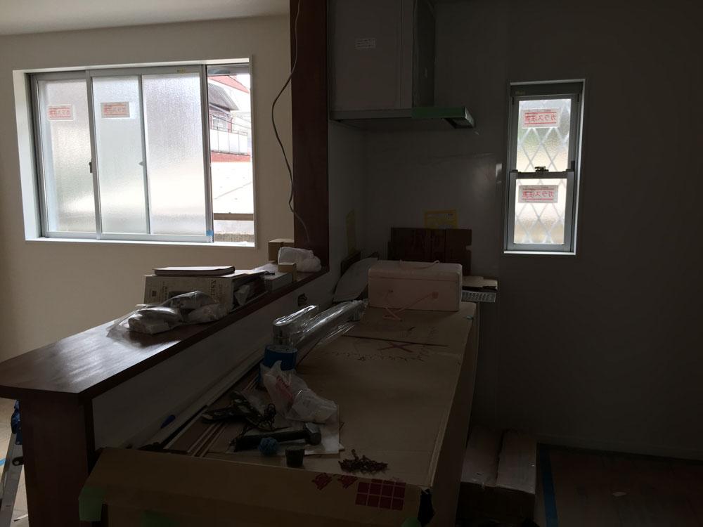 新築のキッチンの写真