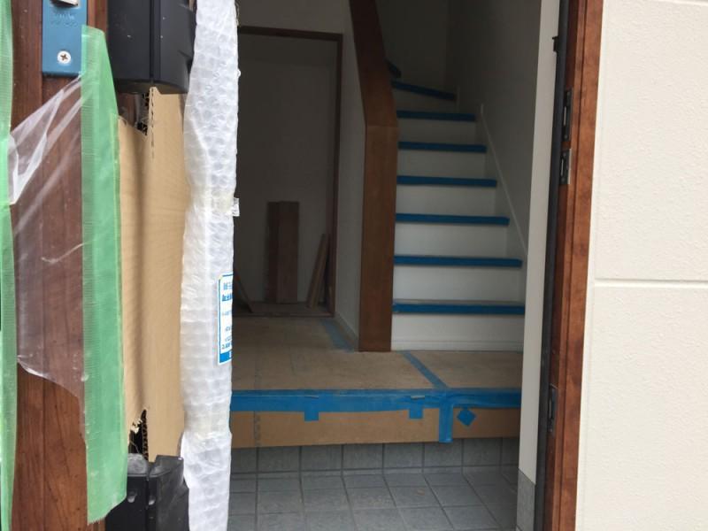 新築の玄関の写真